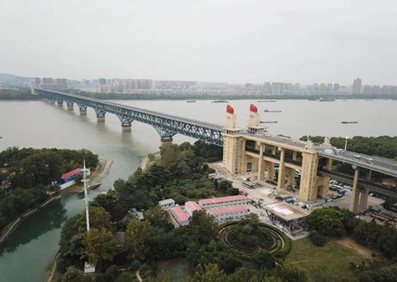 维安达斯激光对射为万里长江第一桥保驾护航